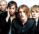 Andy Borrows To Auction Razorlight Drum Kit