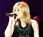 Kelly Clarkson Tops US Chart As Robert Pattinson's Twilight Returns To Top-10