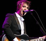 Tottenham's David Bentley Buys Pete Doherty Guitar