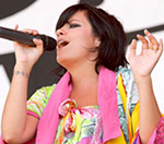 Lily Allen: 'Muse Deserve To Win At The Brit Awards'