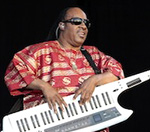 Stevie Wonder Pays Tribute To Michael Jackson At Hard Rock Calling